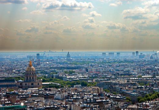 ville polluée représentant Paris